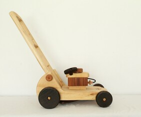 D - Wooden Toy Lawnmower / Walker